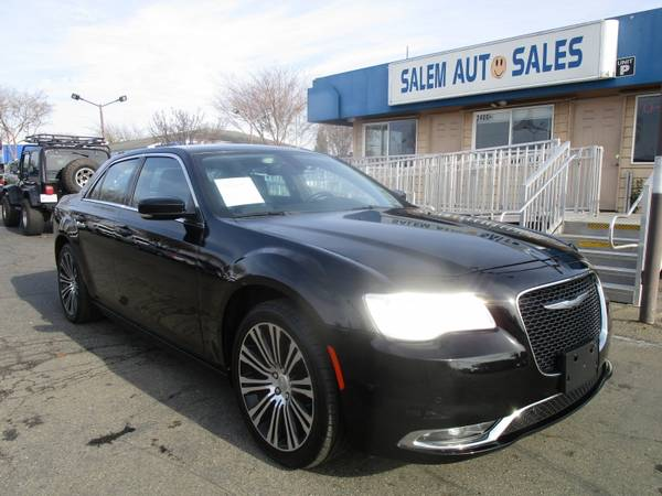 Photo 2016 Chrysler 300 - NAVI - REAR CAMERA - PANORAMIC ROOF - BLUETOOTH - LEATHE - $12988 (2016 Chrysler 300 - NAVI - REAR CAMERA )