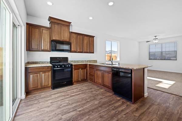Photo BEAUTIFUL  AFFORDABLE Brand New Home No Bidding Wars Here (Edgewater, Linda, Marysville)