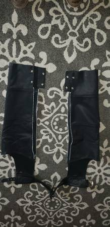 Photo Harley Davidson Leather Chaps Medium (Like New) - $150 (Live Oak)