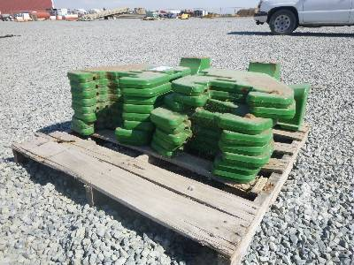 Photo JOHN DEERE TRACTOR WEIGHTS TRACTOR ATTACHMENT - $1,500 (Nicolaus Ca)