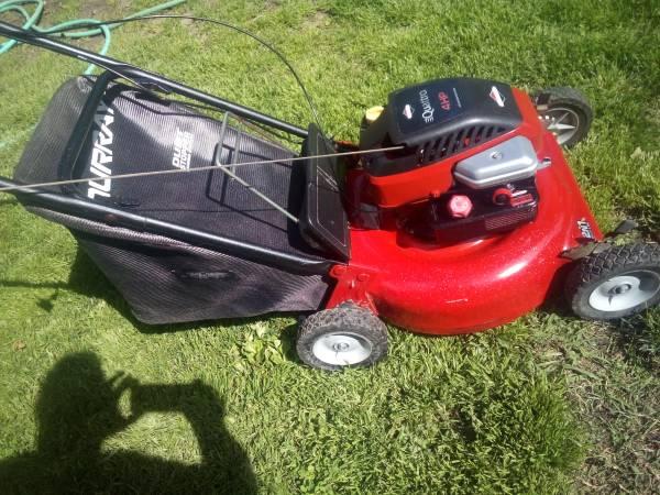 Photo Murray push lawn mower - $100 (Yuba City)
