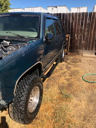 Photo Parting out 1997 Chevy Tahoe - $10 (Yuba City)