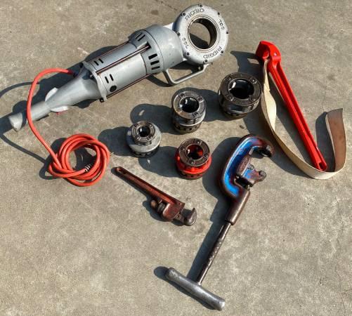 Photo Ridgid 700 Power Drive Pipe Threader and Dies Set Complete - $785 (Yuba City)
