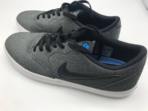 Photo Vans Off The Wall Old Skool  Nike SB Solarsoft Canvas Mens Shoes Size 11.5 - $50 (Yuba City)