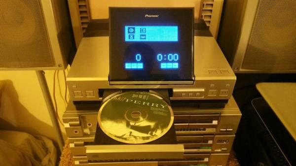 Photo Vintage Pioneer Stereo CD Receiver - $65 (Sacramento)