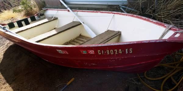 Photo 14 ft aluminum fishing boat - $700 (Kingman)