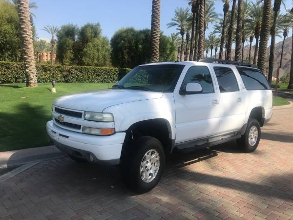 Photo 2004 Suburban k1500 Z71 4X4 - $8,995 (Palm Desert)