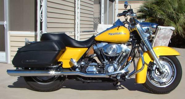 Photo 2005 Harley-Davidson Road King Custom. Rare model, FLRSI. - $6,900 (foothills)