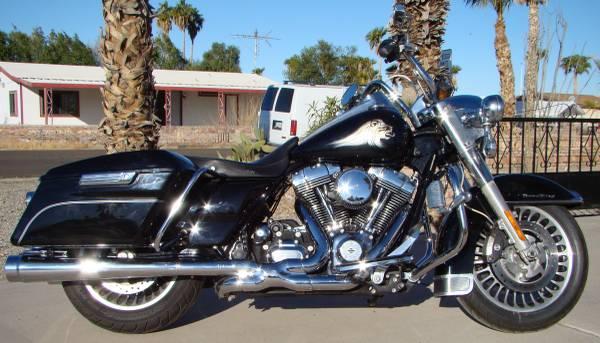 Photo 2013 Harley-Davidson Road King FLHR w stage 4 - $10,500 (foothills)