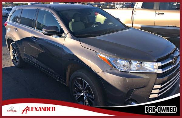 Photo 2017 Toyota Highlander - Call 844-850-0271 - $22480 (2017 Toyota Highlander Alexander Toyota)