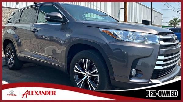 Photo 2017 Toyota Highlander - - $26,987 (2017 Toyota Highlander Alexander Toyota)