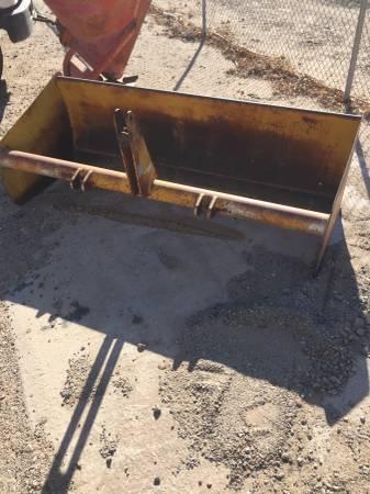 Photo 4 foot Gannon box scraper - $800