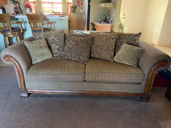 4 piece living room set  800 wellton  furniture for
