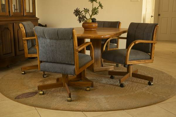 Photo 5 pc Solid Oak Dining Room set - $800 (Mesa Del Sol)
