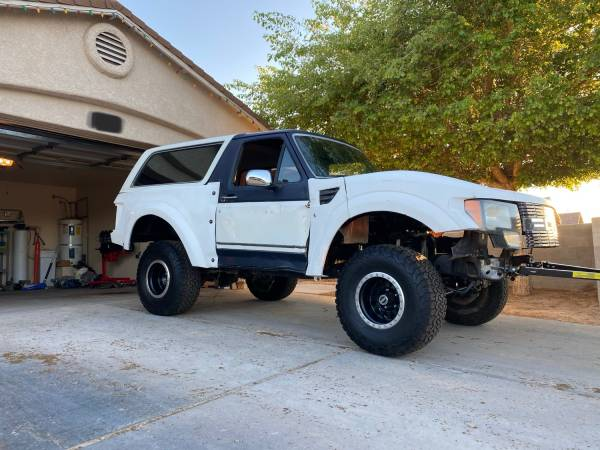 Photo 89 ford bronco project - $4000 (San Luis)