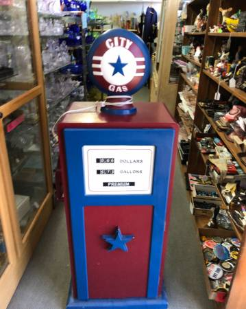 Photo Display Gas Pump with Shelves inside, Light on Top, Nozzle - $75 (Yuma, Arizona)