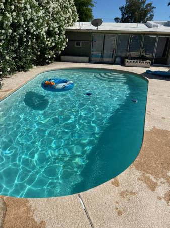 Photo Female Only  ASU  POOL  All Utilities Included (Tempe)