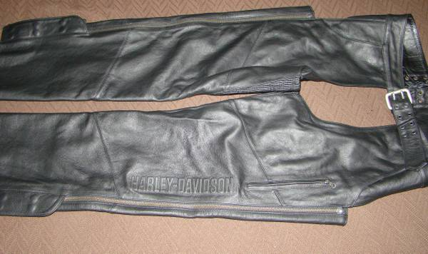 Photo Harley-Davidson authentic chaps - $100 (foothills)