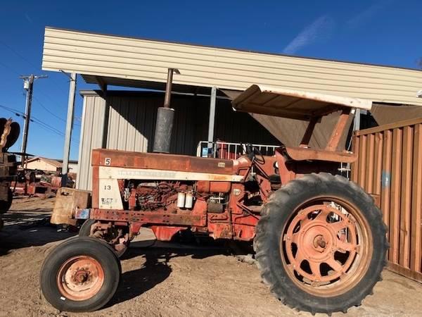 Photo International 666 tractor for sale - $6,500 (El Centro)