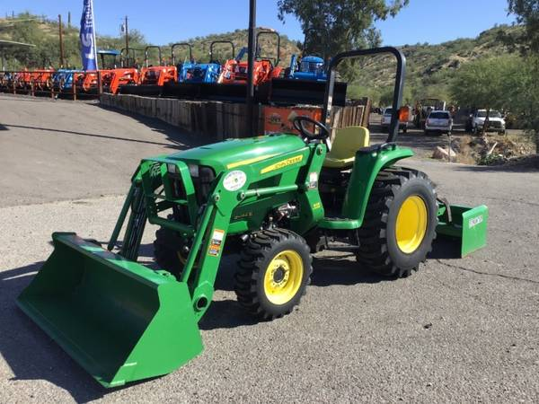 Photo JOHN DEERE 3032E TRACTOR - FINANCING AVAILABLE OAC (JOHN DEERE 3032E TRACTOR - FINANCING AVAILABLE)