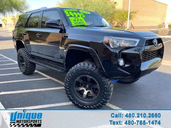 Photo LIFTED 2016 TOYOTA 4RUNNER SR5 AUTOMATIC 3RD ROW SEAT 4X4 4.0 LITER - $34,995
