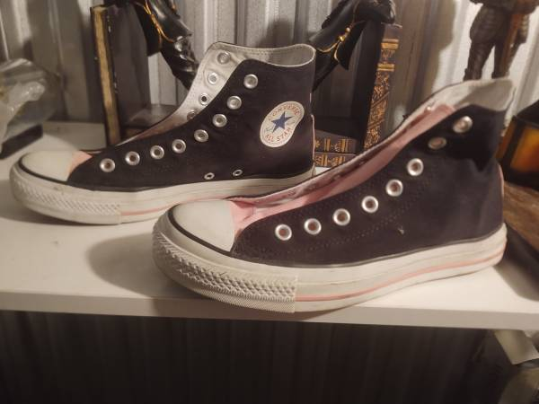 Photo Ladies Black and Pink Converse All Stars High Size 8.5 - $35 (Central Phoenix)