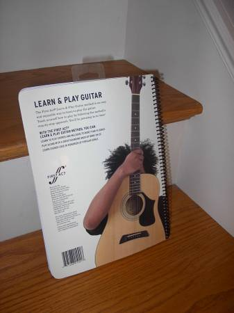 Photo Learn To Play Guitar Instruction Book Plus Instruction CD - $5 (CarlsbadOceanside)