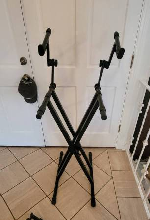 Photo Music keyboard stand DUAL STAND portable - $120 (Central San Diego)