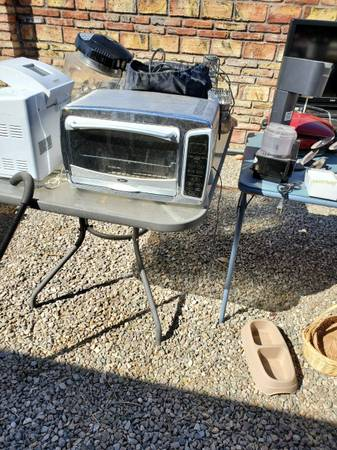 Photo OSTER CONVECTION AND TOASTER OVEN - $10 (Yuma)