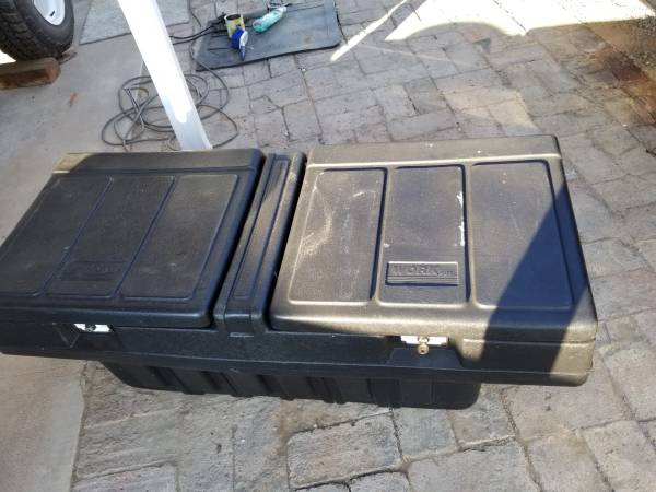 Photo WORK BOX by cantico GREAT CONDITION FITS SMALL TRUCK WIDE BED - $85 (Foothills)