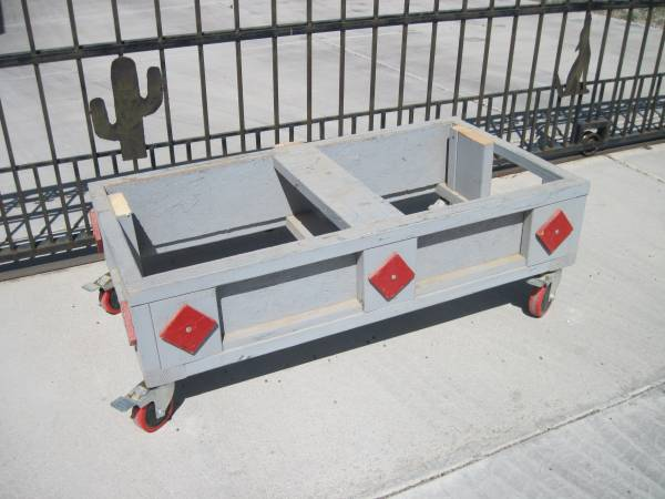 Photo Well Built Cart with Heavy Duty Casters - $40 (Yuma Foothills)