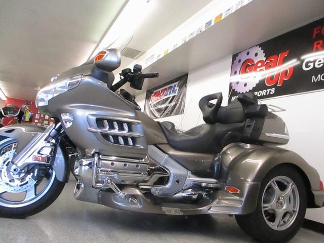 Photo 2008 Honda GOLDWING WLEHMAN TRIKE KIT $21995