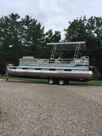 Photo 2439 Pontoon boat with trailer - $8,800 (Corning)