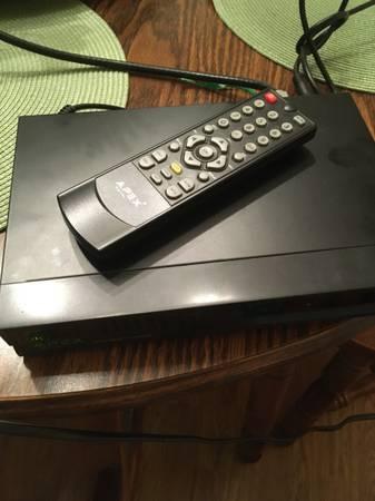 Photo Apex DT250A Digital TV Converter Box - $20 (Reynoldsburg)