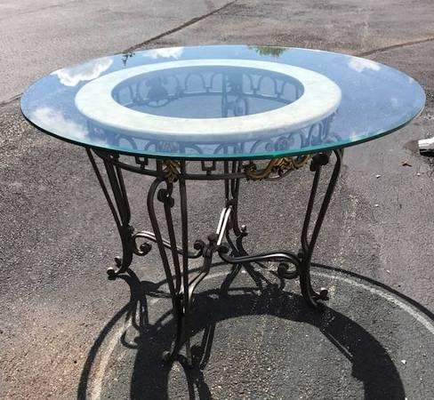 Photo Dining Set - Ornate metal set w. round table, 4 chairs,  Baker39s Rack - $499 (Chardon)