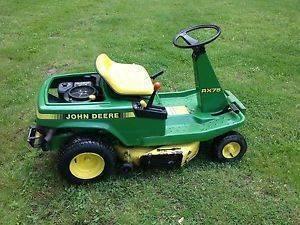 Photo John Deere Small Yard Riding Mower - $485 (Reynoldsburg)