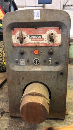 Photo Lincoln SA-200 Red Face Welder - $6000 (Belmont)